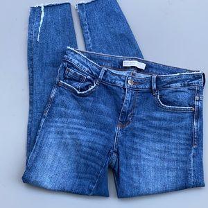 Zara Basic Z1975 Denim jeans distressed raw hem